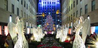 Рождественская елка у Рокфеллер-Центра в Нью Йорке