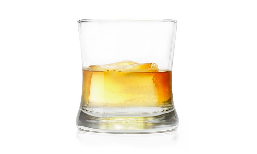 Rum Whiskey on the Rocks 1